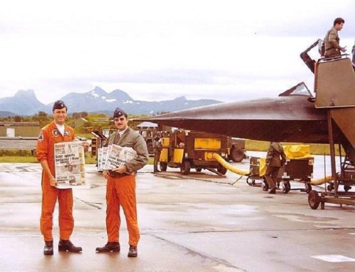 Pilot, B.C. Thomas and RSO Jay Reid with Norway Newspapers