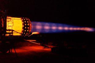 Experience SR-71 Blackbird J58 engine test in full afterburner