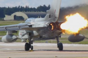 Footage of RAF Tornado fighter jet aborted takeoff due to engine issue