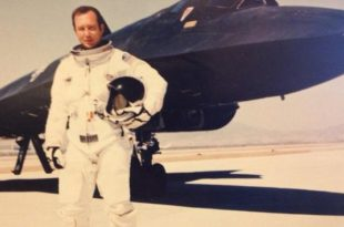 The Story of SR-71 Pilot who saved his Blackbird from certain destruction