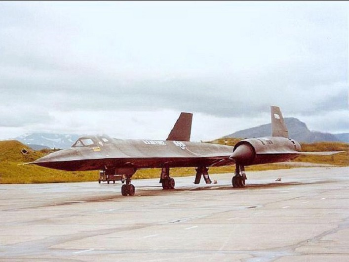 SR-71 Blackbird taxis out of Norway