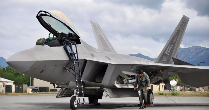 U.S. Air Force pilot explains what Prevents Fighter Pilots from Defecting with Their Planes