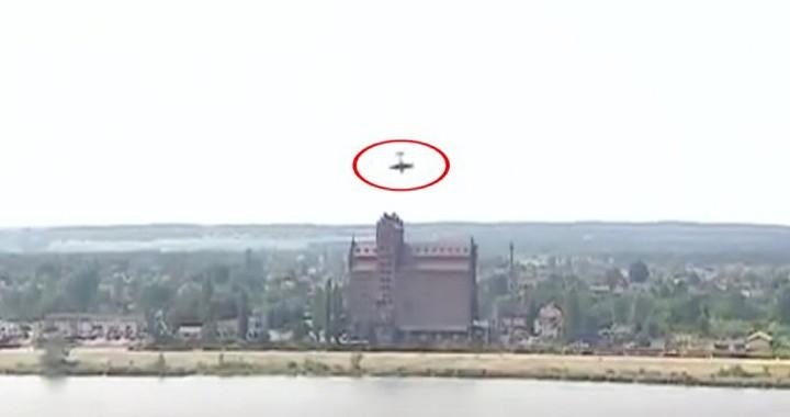 Dramatic Video Shows Yak-52 crashes into river at Polish airshow