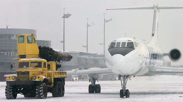In Russia, Snowblowers Use MiG-15 Jet fighter aircraft Klimov VK-1 Engines