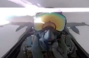 Shocking Footage of Kuwaiti F/A-18 Hornet fighter jet get hit by lightning while flying through clouds