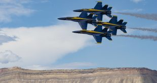 Blue Angels F/A-18 Jets Midair Collision During Tight Diamond 360 Maneuver