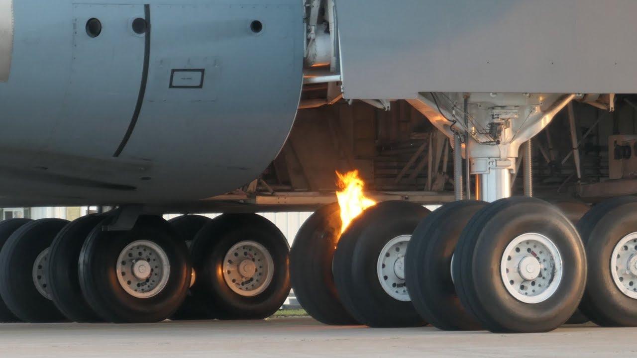 Videos of C-5M Super Galaxy Experiencing Brake Fire At Oshkosh Airshow 2019