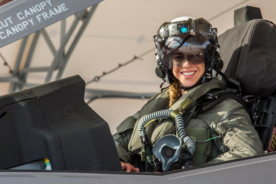Capt. Anneliese Satz becomes first female Marine to pilot F-35B fighter jet