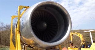 Crazy Guys Run A Gigantic Boeing 747 Rolls Royce RB211 Engine In Their Backyard