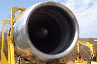 Crazy Guys Run A Gigantic Boeing 747 Rolls Royce RB211 Engine In Their Backyard
