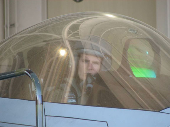 When U.S. Air Force Pilot Was Trapped In F-22 Raptor Cockpit For 5 Hours