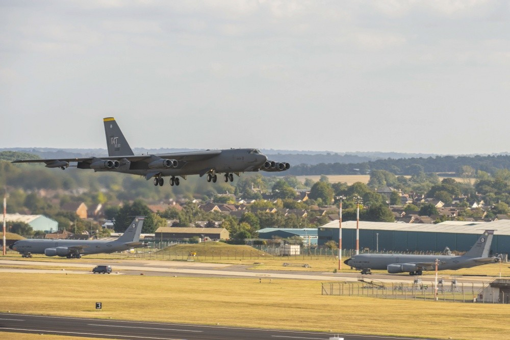 Rare In Flight Video Shows B-52 Bomber Flying A Nuclear Alert Training Mission