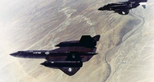 That Time F-4 Phantom II Saved An SR-71 Blackbird From A Meteor Attack