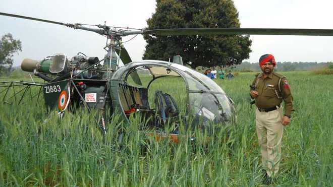 Indian Army Helicopter With Northern Army Commander On Board Crash-lands in Kashmir