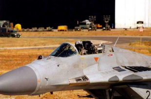 Unique Photo Shows German Air Force Pilot Who Landed MiG-29G Without Canopy
