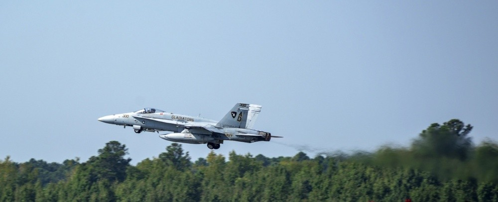 After 36 Year Of Service U.S. Navy's Last F/A-18C Hornet Flew For The Very Last Time