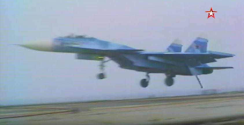 Watch: Russian Sukhoi Su-27K Historic First-Ever Landing On Admiral Kuznetsov