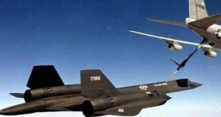 Video Shows KC-135Q Tanker Refueling Mach 3 SR- 71 Blackbird Spy Plane (Audio)