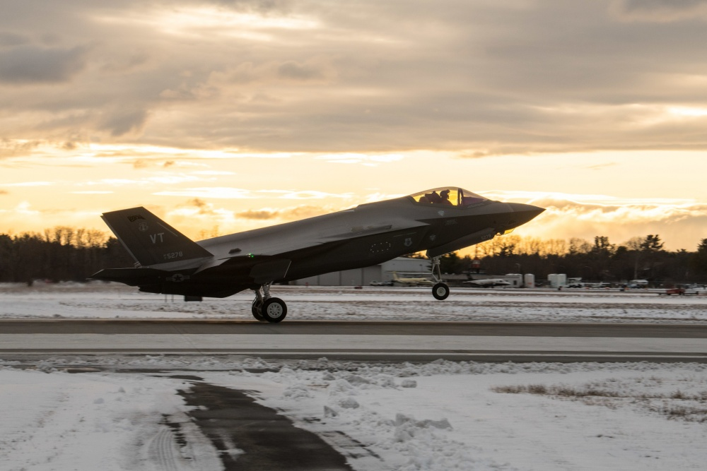 Should U.S Sell F-35 Lightning II Stealth Fighters Jets To UAE?