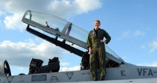 Caroline Johnson Became The First Woman To Bomb ISIS From F/A-18 Super Hornet