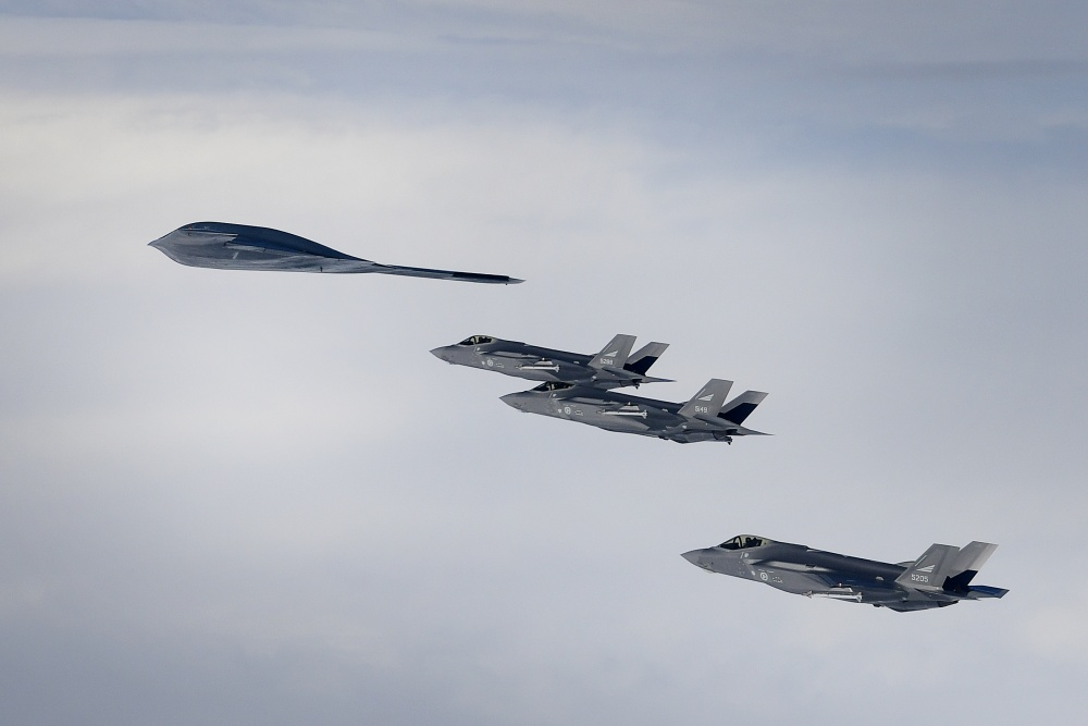 For The First Time USAF B-2 Bombers Flew Alongside With RNoAF F-35 Fighter Jets