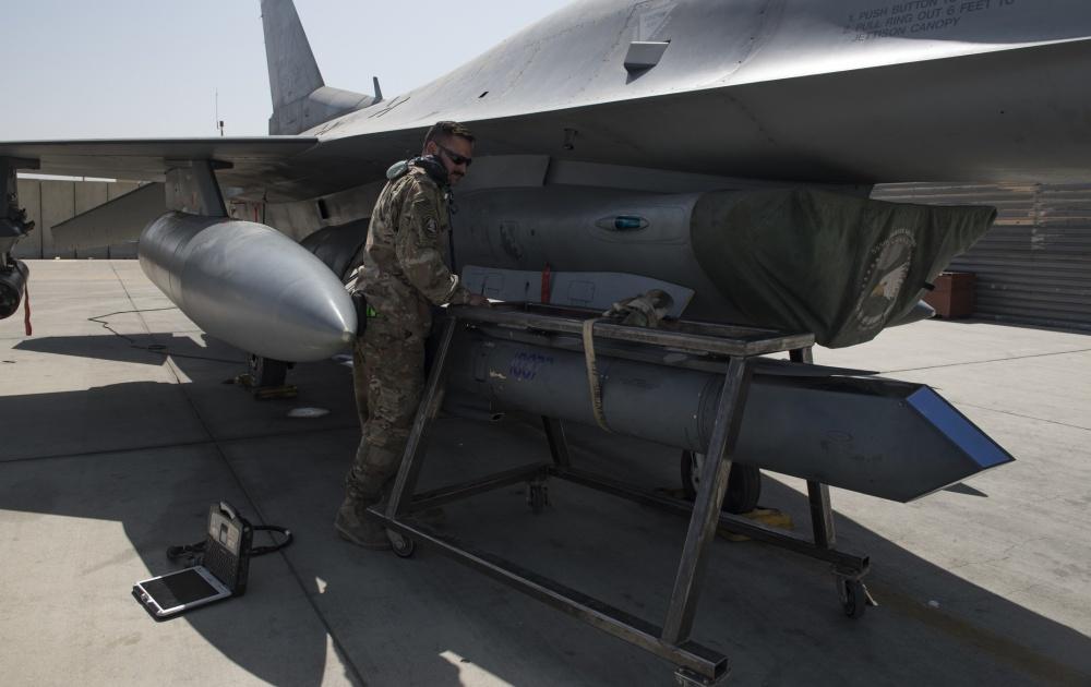 Skunk Works Develops Autonomous Reconnaissance Pod Capable Of Searching Out & Confirming Enemy  Target