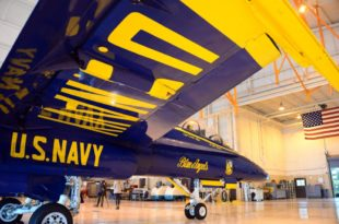 Here's First Look At F/A-18E Super Hornet In Blue Angels Paint