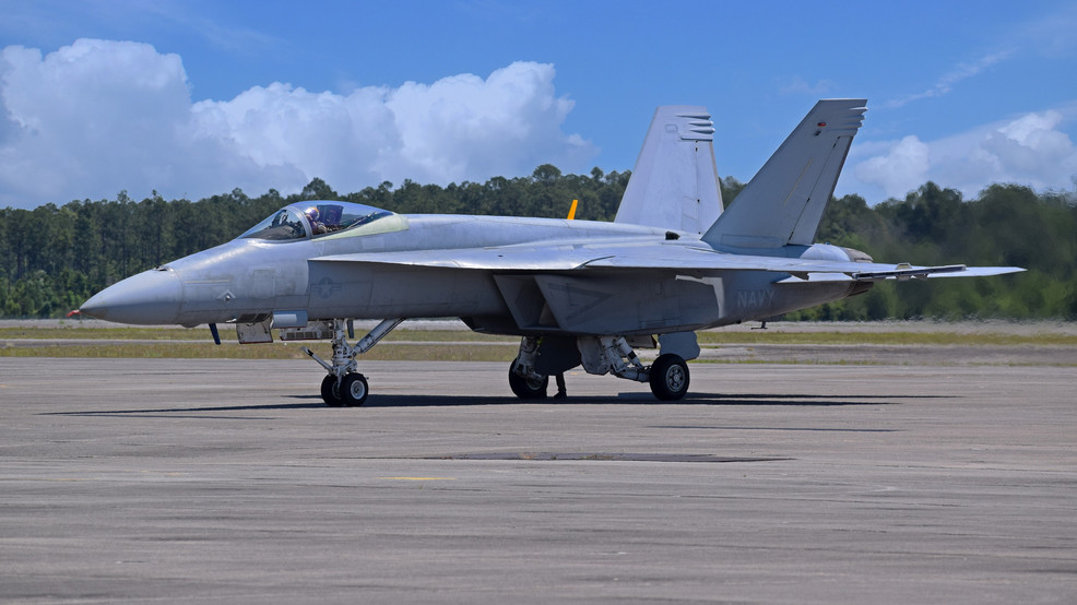 First F/A-18E Super Hornet Test Aircraft With Special Modifications Delivered To Blue Angels