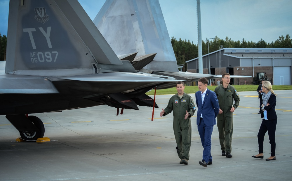 Well Designed F-22 Raptor Engines Can Be Repaired With 6 Tools Found In Any Hardware Store