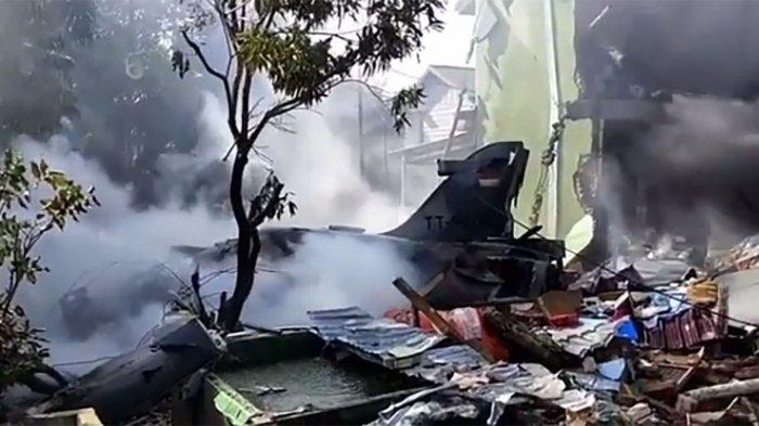 Indonesian Air Force BAe Hawk Mk 209 Trainer Aircraft Crashes Over Residential Area In Riau