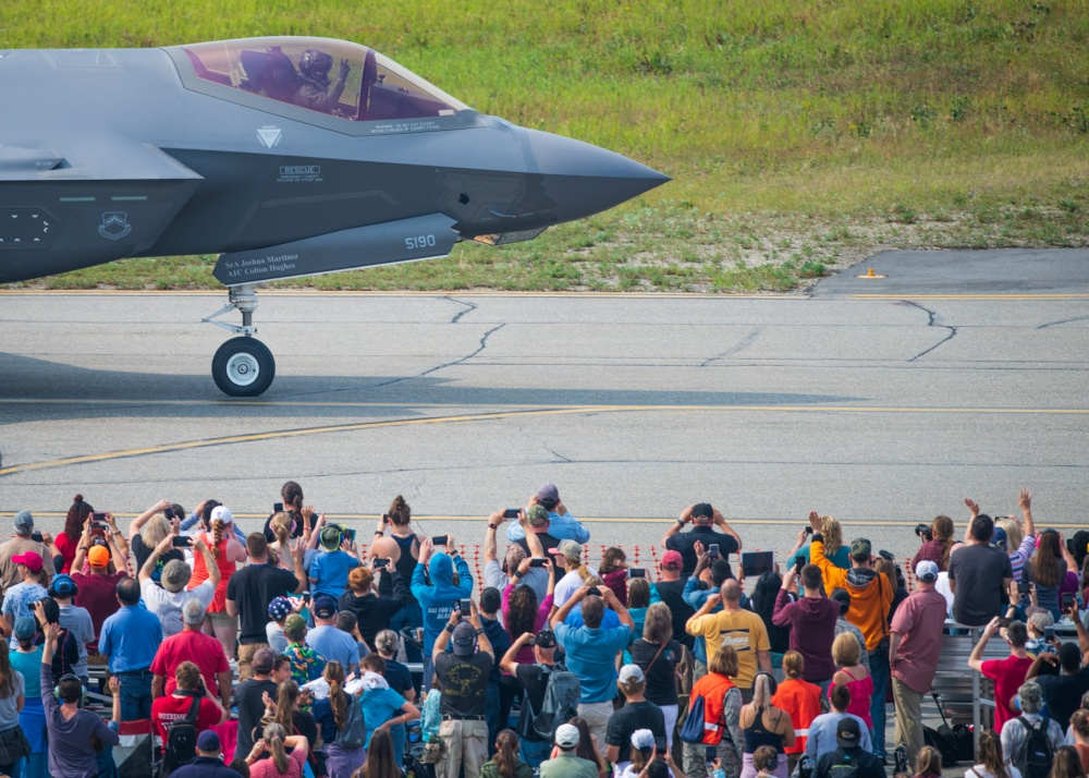 USAF F-35 Demo Team To Cut The Number Of Airshow Appearances Due To F135 Engine Issues