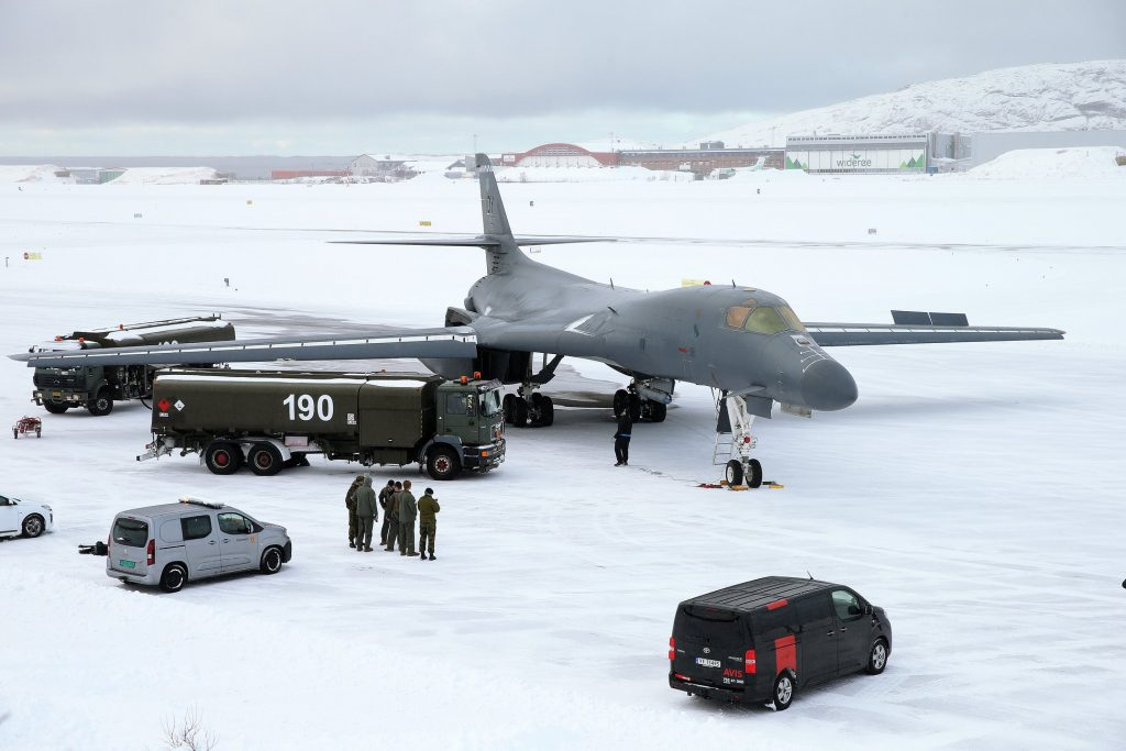 U.S. Air Force B-1 Lancer Bomber Lands On Snowy Runway In The Arctic Circle For the First Time