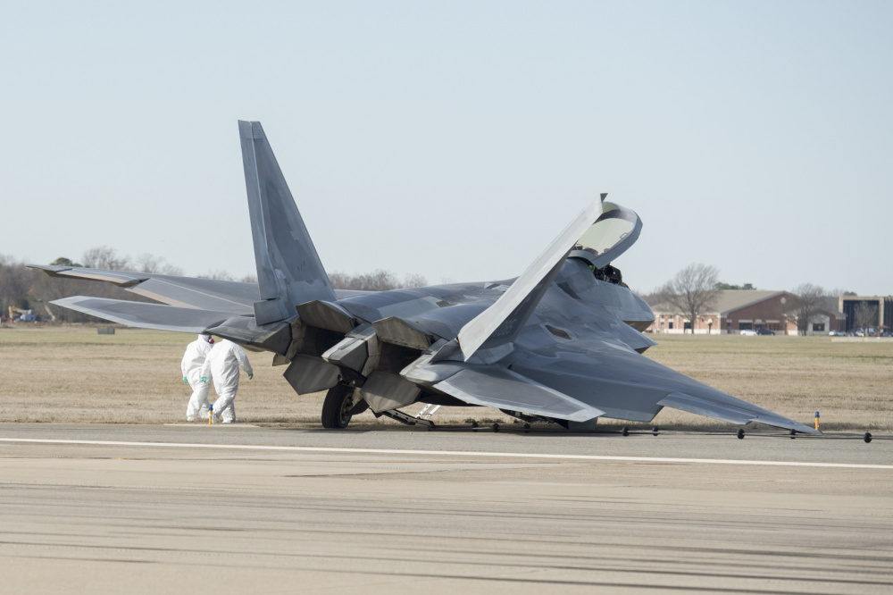 F-22 Raptor That Crash Landed Years Ago Takes To The Sky Again