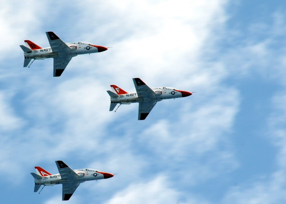 U.S. Navy T-45 Goshawk Training Jets Collided In Mid-Air Over Texas