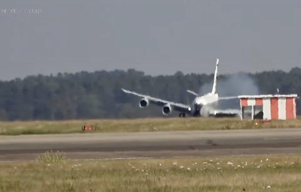 Watch: RC-135 Spy Plane Make Frightening Crosswind Landing at RAF Mildenhall